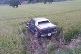 Hà Nội: Ô tô, xe máy cùng lao xuống ruộng, 1 người tử vong