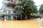 Thành phố Yên Bái thành sông sau bão