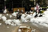 """Sau cơn mưa lớn, thành phố bị bao phủ bởi """"tuyết"""" nhưng ai cũng sốc khi biết sự thật"""