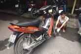 Bắt đối tượng cướp xe máy, dùng dao tấn công CSGT