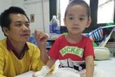 Cháu bé mất 2 chân sau vụ sạt lở đất kinh hoàng ở Sơn La đã được xuất viện