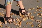 7 món đồ thời trang gây tổn hại... sức khỏe của chị em