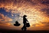 Thâm cung bí sử (107 - 1): Nhân cách người mẹ nghèo