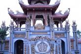 Choáng ngợp với ngôi nhà thờ họ dát vàng trị giá trăm tỷ đồng ở Nghệ An