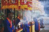 Lung linh sắc màu lễ hội cầu ngư lâu đời nhất cố đô