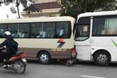 Hà Nội: Xe đưa tang gây tai nạn liên hoàn khiến 1 người tử vong