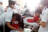 106 học sinh có dấu hiệu ngộ độc thực phẩm sau bữa ăn ngày khai giảng