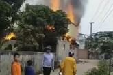 Giận vợ, chồng tẩm xăng đốt nhà khiến 1 người chết và 2 người thương nặng