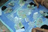 Bà bầu cùng mẹ ruột tổ chức đánh bạc tại chung cư cao cấp