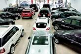 Vay mua ô tô: Nhân viên ngân hàng can khách đừng ham sang mà ôm nợ