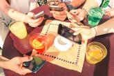 Nhà hàng giảm giá 'không dùng điện thoại khi ăn', khách phản ứng khó hiểu