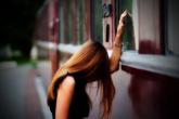 Nữ phó phòng chết lặng trước tin nhắn của cô chủ shop mỹ phẩm