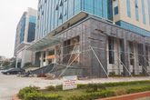 """Hình ảnh mới nhất về tòa nhà 350 tỷ đồng có tấm biển """"không thể tin nổi"""" ở Bắc Giang"""