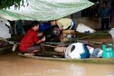 Thanh Hóa: Nước lũ tràn đê sông Bưởi, sơ tán khẩn cấp hàng nghìn hộ dân