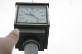 """Hà Nội: Đồng hồ kỷ niệm 1.000 năm Thăng Long đã """"chết ngỏm"""" từ bao giờ!"""