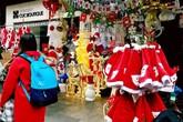 Đồ trang trí Noel giá tiền triệu hút khách