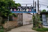 Đâm chết bạn trong quán Karaoke