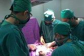 Quảng Ninh: Cứu sống bé trai 6 ngày tuổi trước nguy cơ tử vong