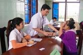Hàng trăm người dân Quảng Bình được khám và cấp thuốc miễn phí