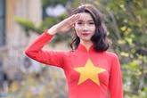 Cô gái xứ Lạng rạng rỡ trong tà áo dài màu cờ đỏ sao vàng