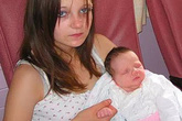 Bé gái 11 tuổi phải làm mẹ sau khi bị chính anh trai hãm hiếp giờ ra sao?