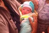 Bé gái sơ sinh bị bỏ rơi cùng 1 triệu đồng trước cửa nhà dân