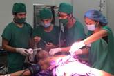 Quảng Ninh: Cứu sống bệnh nhân bị đâm thấu bụng