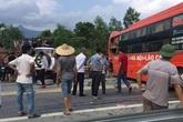 Tai nạn gây ách tắc nghiêm trọng trên cao tốc Nội Bài - Lào Cai