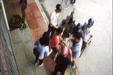 Hải Dương: Xôn xao clip cán bộ phường cầm gậy bắt chó nhà dân