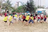 """Những khoản phí """"lạ"""" trên bãi biển Sầm Sơn"""