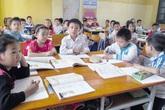 """Hà Nội: Học sinh đông, lớp tiểu học  thành """"giảng đường"""""""