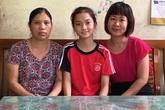 Cô bé bị cha mẹ bỏ rơi trở thành tấm gương ở làng trẻ mồ côi