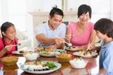 Tổ ấm quạnh hiu khi thiếu vắng bữa cơm gia đình