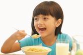 Bí quyết để trẻ không tăng cân vù vù trong dịp hè