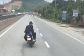Tỉnh Quảng Ninh nói gì về clip 2 thanh niên đi xe máy đầu trần, đánh võng chèn ép xe khách