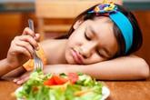 Những thói quen nhiều cha mẹ mắc khiến con suy dinh dưỡng