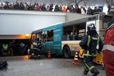 Xe buýt lao vào hầm bộ hành ở Moscow, 5 người thiệt mạng