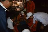Vượt 50 hải lý, cấp cứu kịp thời ngư dân bị đau bụng dữ dội