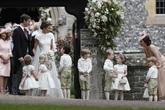 Khoảnh khắc đáng giá nhất của tình chị em Công nương Kate trong đám cưới bạc tỷ