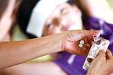 Những sai lầm khi dùng thuốc hạ sốt cho con bố mẹ cần biết
