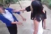 2 nữ sinh tỉnh Thừa Thiên Huế đánh bạn tới tấp vào mặt