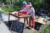Thịt heo giá rẻ bèo 100.000 đồng 4kg nhưng vẫn ế ở miền Tây