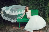 Hồ Ngọc Hà mặc áo cô dâu trong ngày sinh nhật