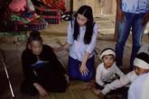 Mỹ Linh xuống núi, đến thăm các gia đình có người thân bị lũ cuốn trôi