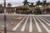 Đi mua đồ ăn vặt, học sinh lớp 2 bị xe tải đâm tử vong