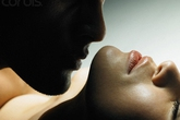 Lý do đàn ông thành đạt bất chấp nhiều rủi ro để ngoại tình