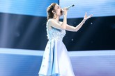 Hot girl The Voice bật khóc trên sân khấu khi hát tặng mẹ bị ung thư