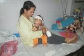 Bi đát cuộc đời người mẹ lấy chồng từ thuở 14 bên đứa con bỏng nặng vì nồi xương ninh