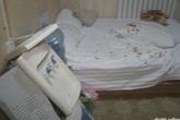 Cô gái trẻ khóc ngất trong khách sạn vì lý do kinh dị này
