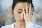 Nỗi đớn đau khó nói của người phụ nữ ngoài 30 đã sợ gần chồng